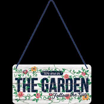 Висяща табела - Ние сме в градината